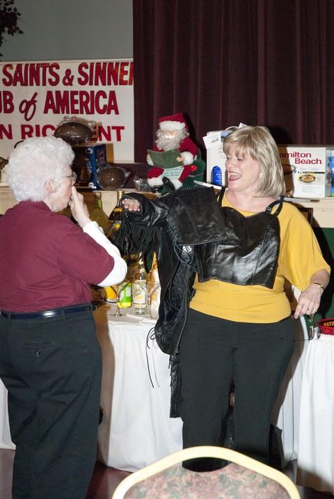 2010 saints & sinners charity auction 012.jpg